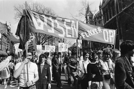 Roze Zaterdag Roermond 1979 'Gijsen, Flikker Op!' - CC-Hans van Dijk KLEIN
