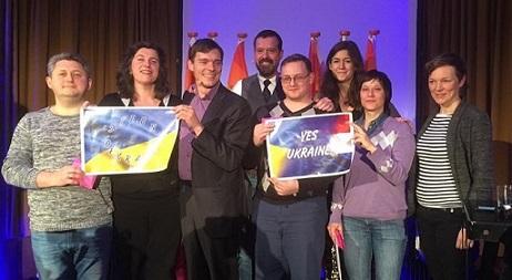 YES UKRAINE - Groot LHBTI-debat associatieverdrag met rechts Joyce Hamilton - tweetpic Irene Hemelaar A