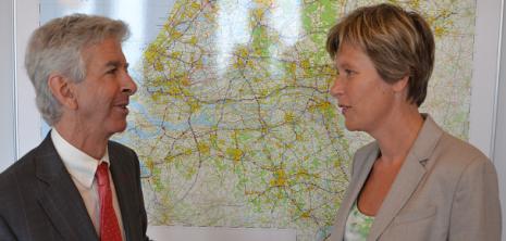 Minister Ronald Plasterk en COC-voorzitter Tanja Ineke - Foto COC NL-Philip Tijsma