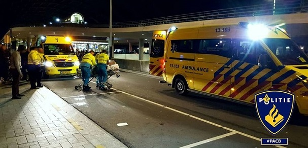 amsterdam-pont-achter-cs-geweld-tegen-2-homomannen-nacht-15-16-oktober-2016-sticky
